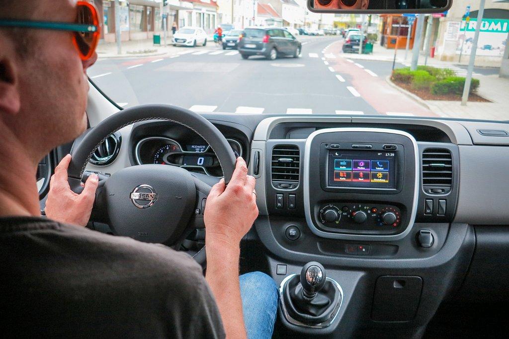 Nissan-NV300-Gluschitsch-2.jpg