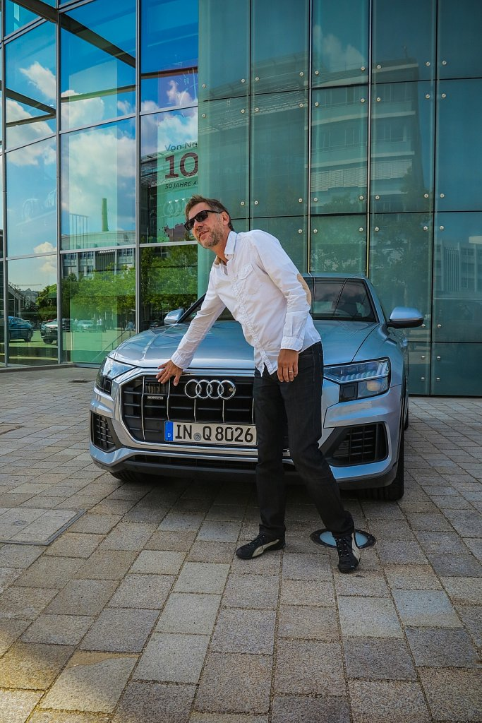 Audi-Q8-Designer-Gluschitsch-1.jpg