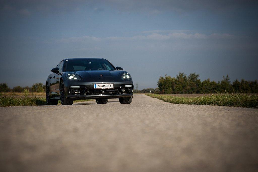Porsche-Panamera-Hybrid-Gluschitsch-21.jpg